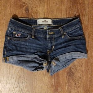 Hollister Short Shorts Size 00 embroidered
